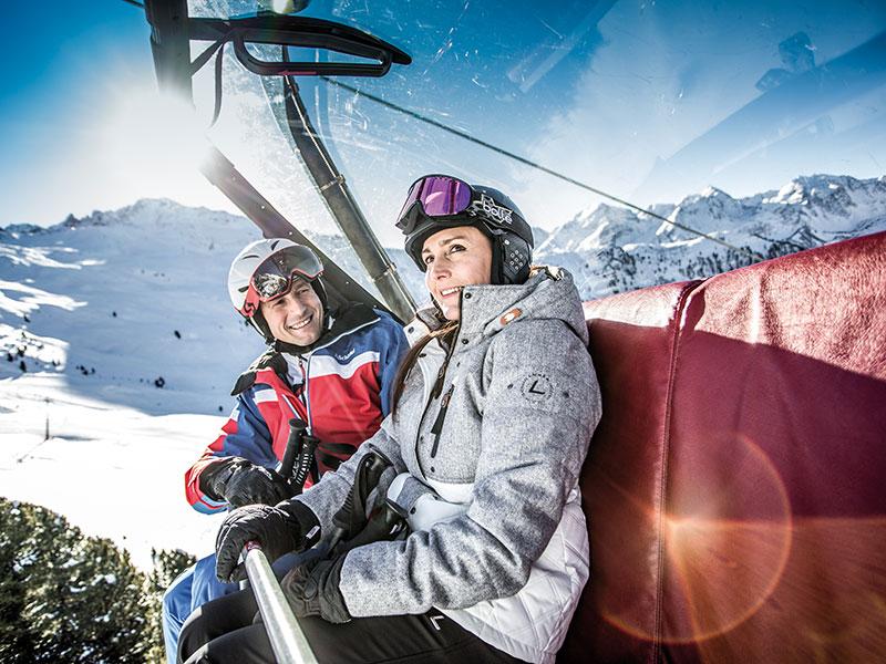 Skifahren am Hochzeiger